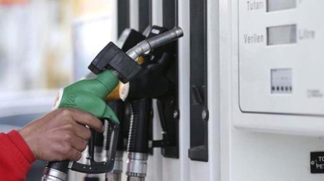 Araç sahiplerine kötü haber! Benzine 17 kuruş zam
