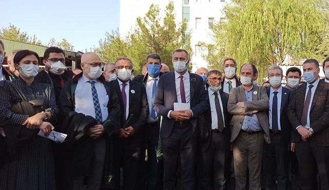 Avukatlar, Duruşmadan Atılmakla Tehdit Edilince Mahkeme Heyetinin Reddini Talep Etti