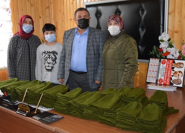 Gülnar'lı kadınlar operasyondaki askerlere bere işledi