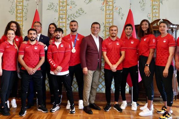 """İmamoğlu: """"Türkiye futbol anlayışından dışarı çıkmalı"""""""