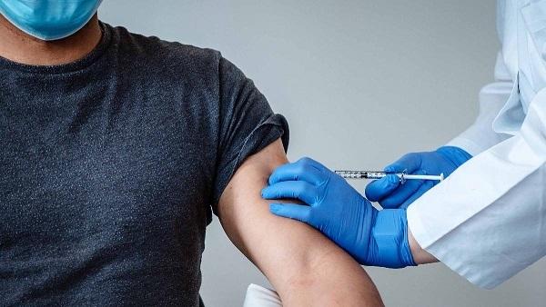Koronavirüs aşısı eski hayatımızı geri getirecek mi?