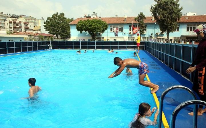 Okul Bahçelerine Yüzme havuzları Kuruldu