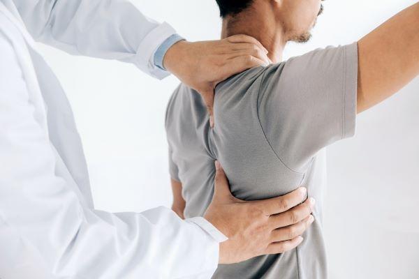 Ortopedi ve Travmatoloji Uzmanı Doç. Dr. Hakan Turan Çift uyarılarda bulundu