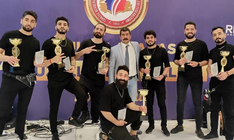 Tarsus Show Time ekibi, Antalya'dan bölge birincisi olarak döndü