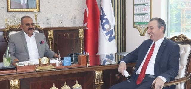 Türkmen Bakan'dan tam not
