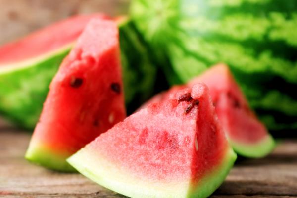 Yaz meyveleri ile sağlığınızı koruyun