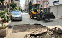 Akdeniz Belediyesi: İhtiyaç duyan mahallelerde asfalt yama ve yol açma çalışmaları