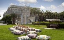 Çırağan Sarayı bahçelerinde lüks piknik günlerini deneyimleyin