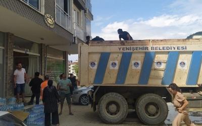 Yenişehir Belediyesinin yardım malzemeleri sel bölgesine ulaştı